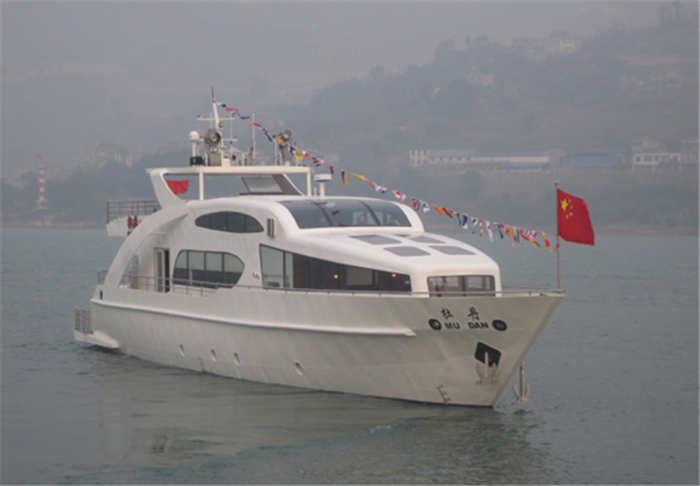 亚搏app官网方造船公司建造的牡丹号游艇